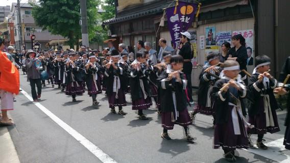 梛神社神幸祭の鼓笛隊
