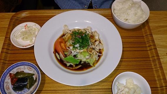 ヨロズ食堂の豚しゃぶ四川ソース