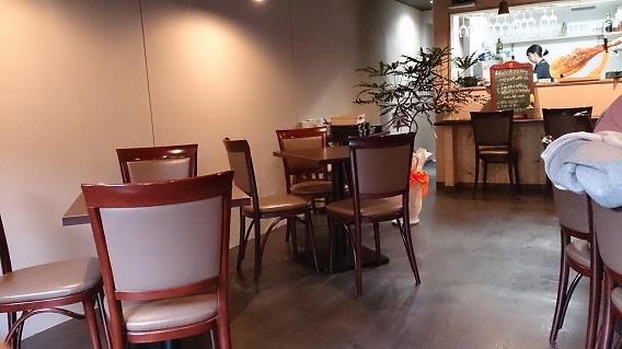 Bistro Chez Momo(ビストロ シェ モモ)店内