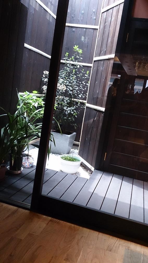 町家カフェ『檸檬』中庭
